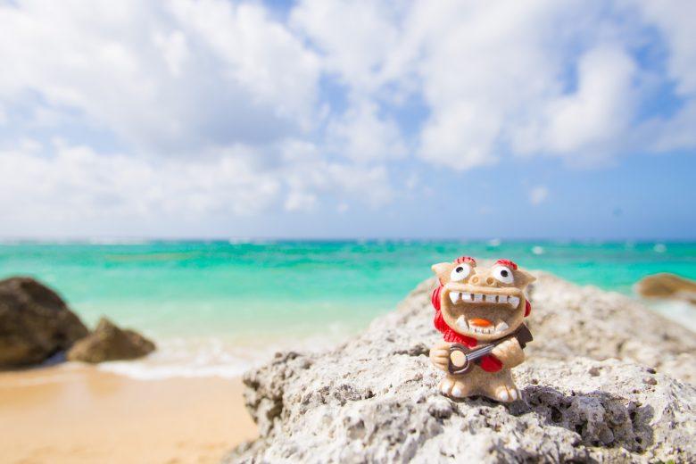 沖縄、海、シーサー