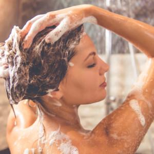 洗髪、入浴、シャンプー、トリートメント、美髪、頭髪、髪の毛、ヘアケア、頭皮ケア