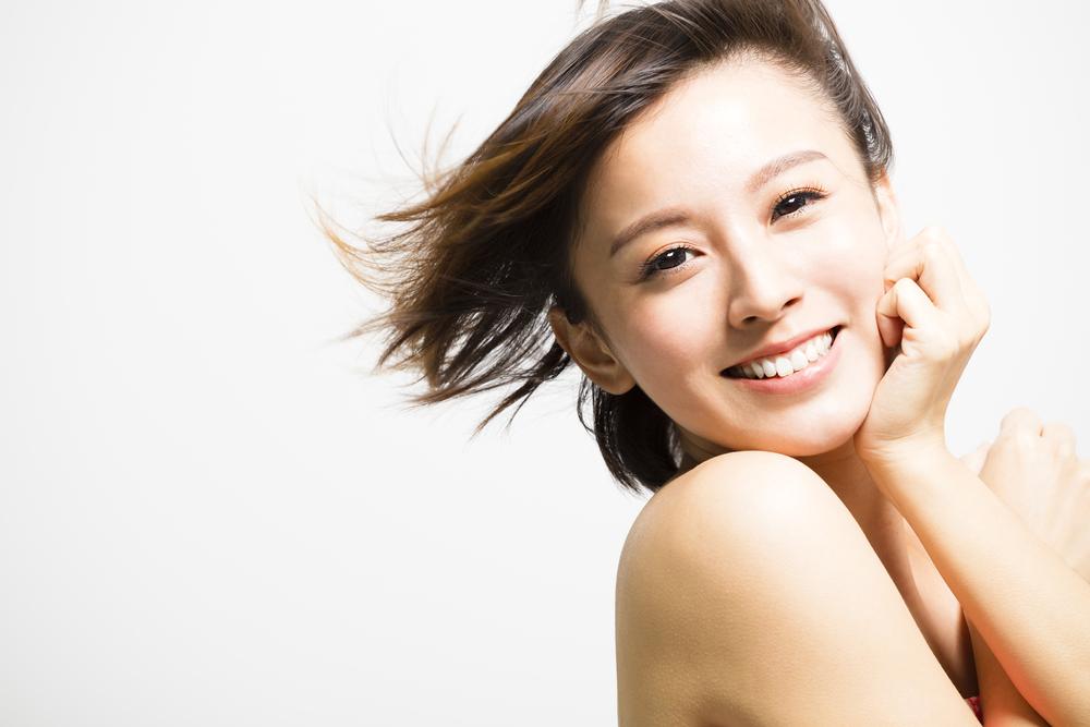 アンチエイジング、美顔、美肌、肌ケア、透明感、笑顔、美顔
