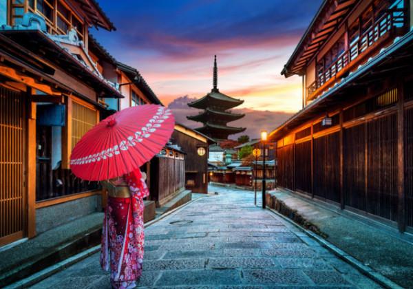 京都、祇園、五重塔、舞妓