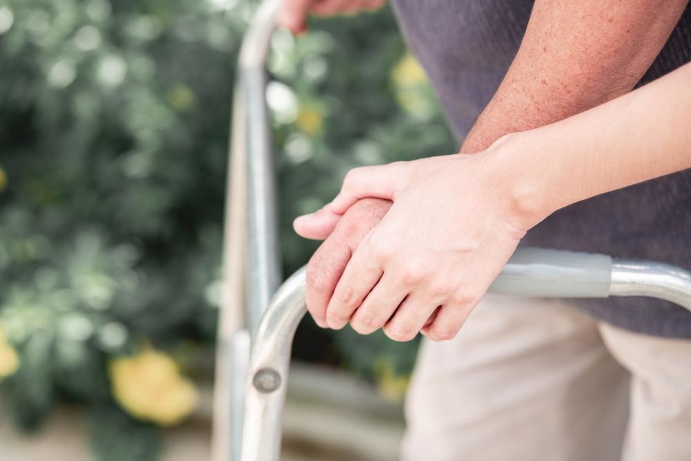 介護、ヘルパー、介助人、超老齢化、認知症