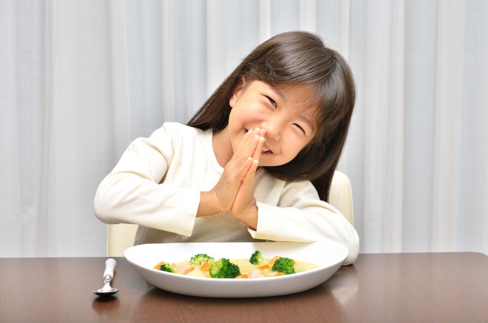 食事、レシピ、愛情ごはん、シチュー、あったかレシピ、こどもの笑顔