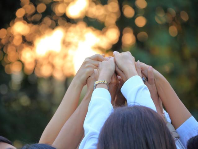 チャリティ活動、協力、ボランティア