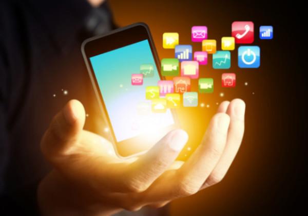 アプリ、携帯アプリ、クローズドSNSアプリ、家族間共有アプリ