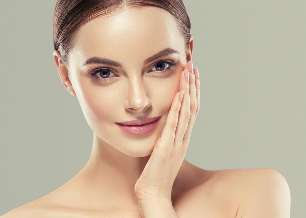 美肌、スキンケア、ニキビ肌、美容液でスキンケア、ニキビ肌の原因、乾燥肌のスキンケア対策