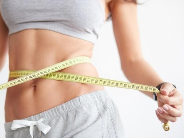 腹筋縦線、腹筋、腹筋痩せ、ダイエット、くびれ、お腹痩せ、腹筋女子、腹筋割る、腹筋ダイエットの効果
